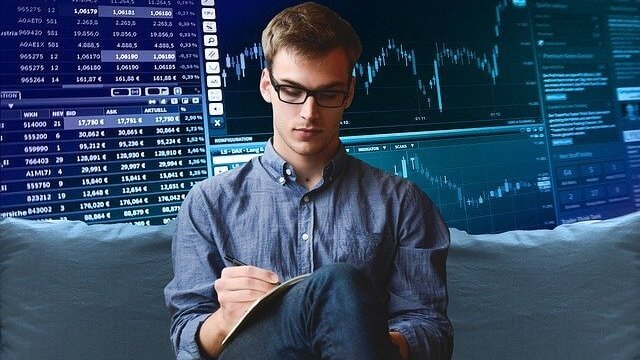 who is a stock broker